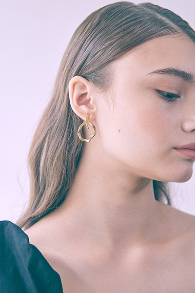 Two Way Wave Earring (솔빈 착용)
